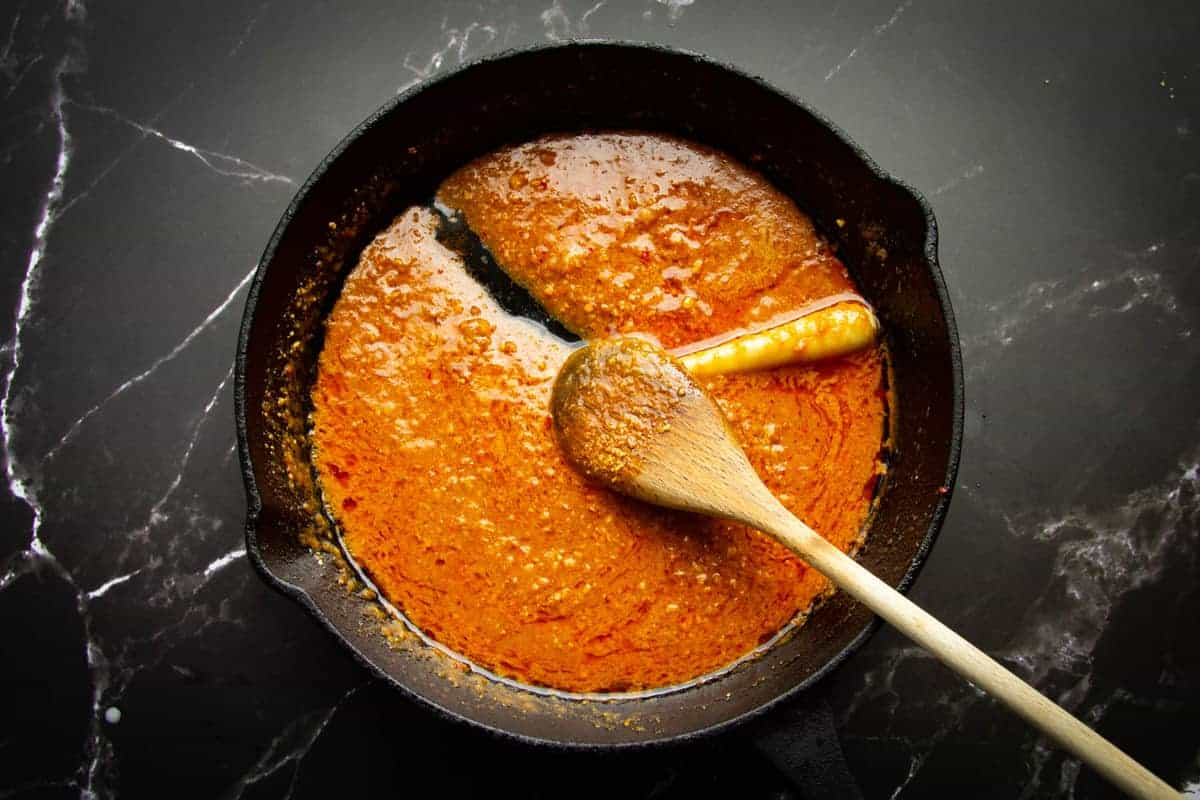The finished sauce in the pan.