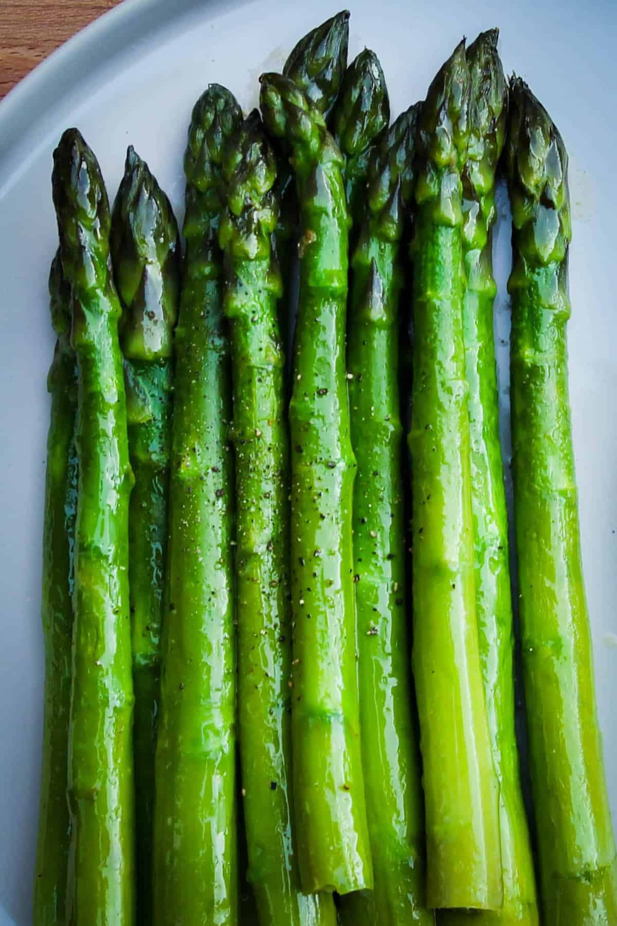 Keto Green Asparagus With Citrus Mayonnaise Braised Deglazed
