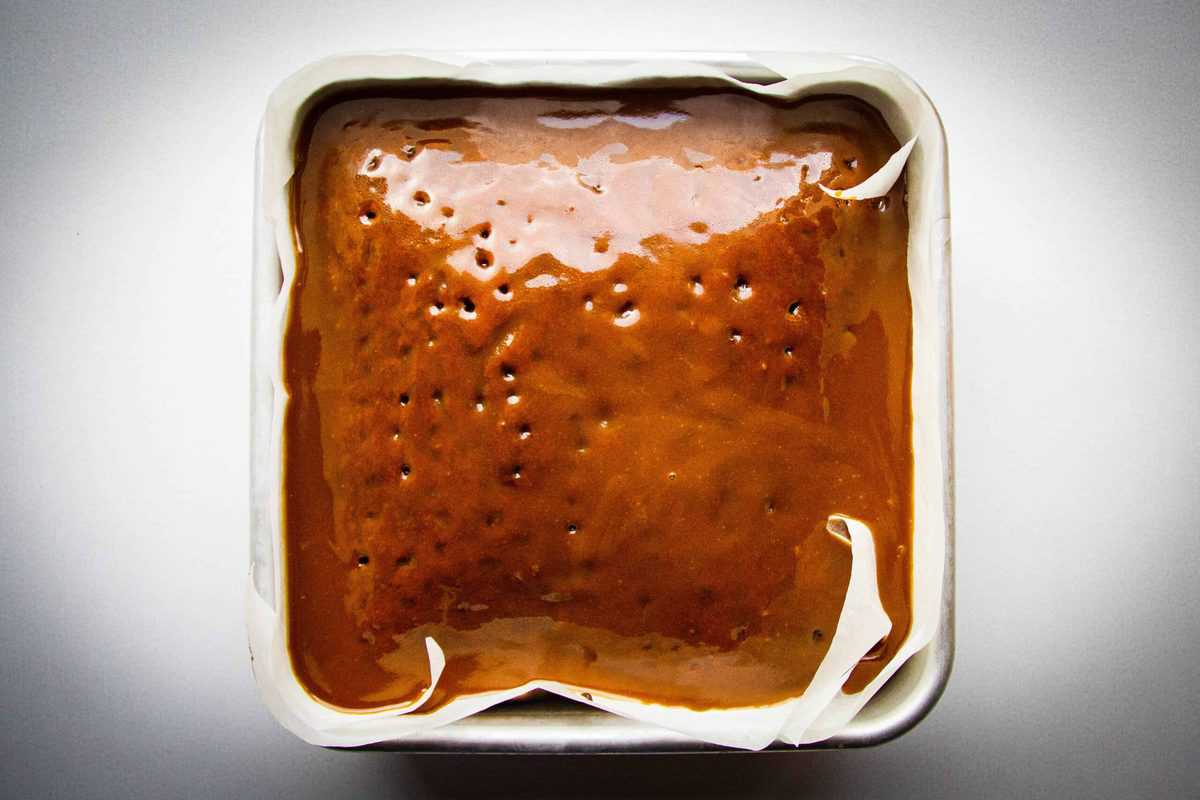 The sauce over the sticky toffee pudding.