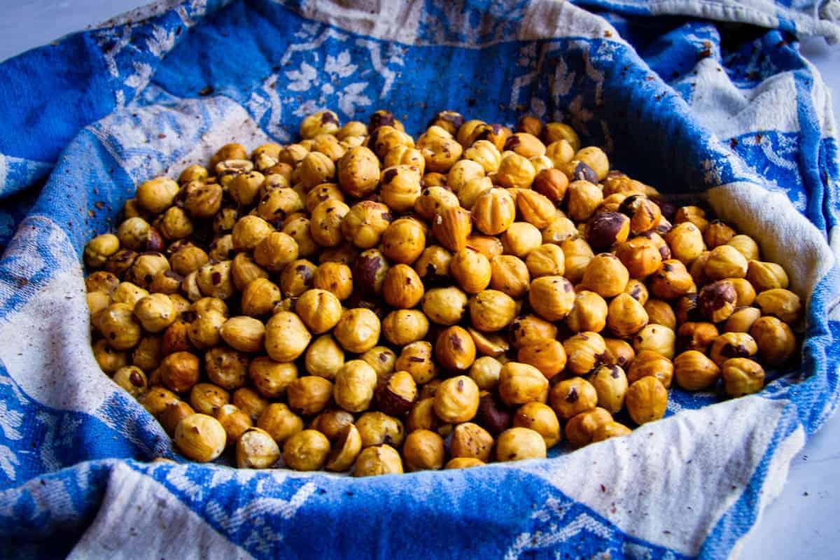 hazelnuts-roasted