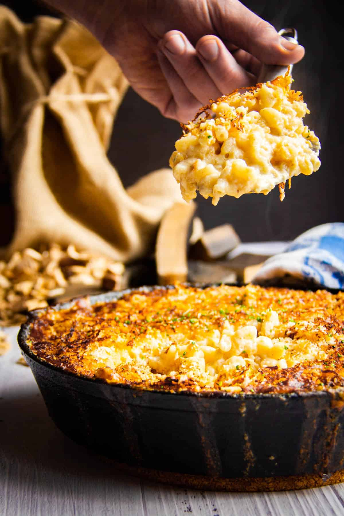 smoked-mac-and-cheese-with-fork-inside